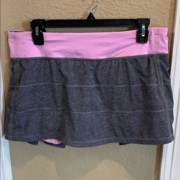 Lululemon Pace Rival Skirt in Gray. Size 10